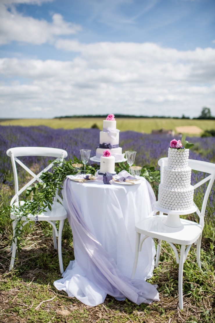 sweetheart table,wedding cake,lavender,David Austin roses,white wedding,English countryside