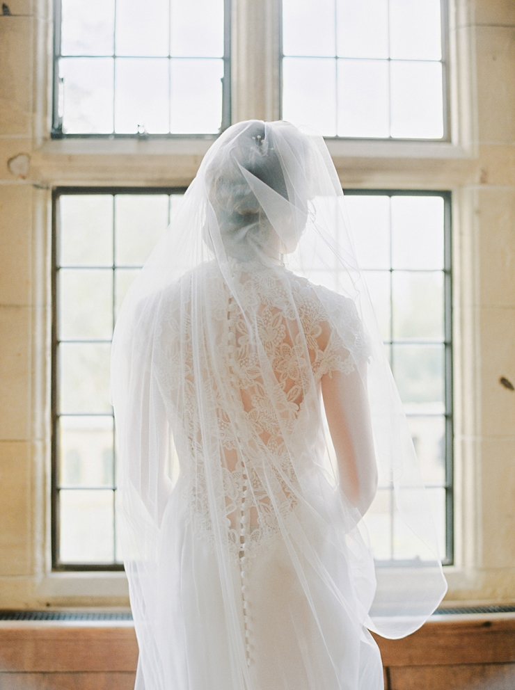 bride,bridalgown,weddingdress,veil,etheral