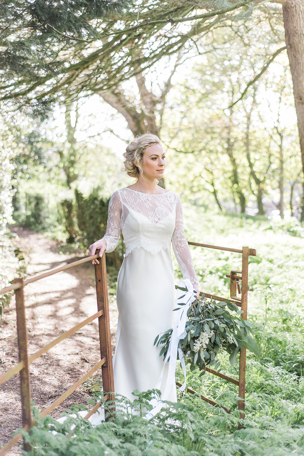 outdoor wedding photographs,green and white wedding,yorkshire bridal portrait,