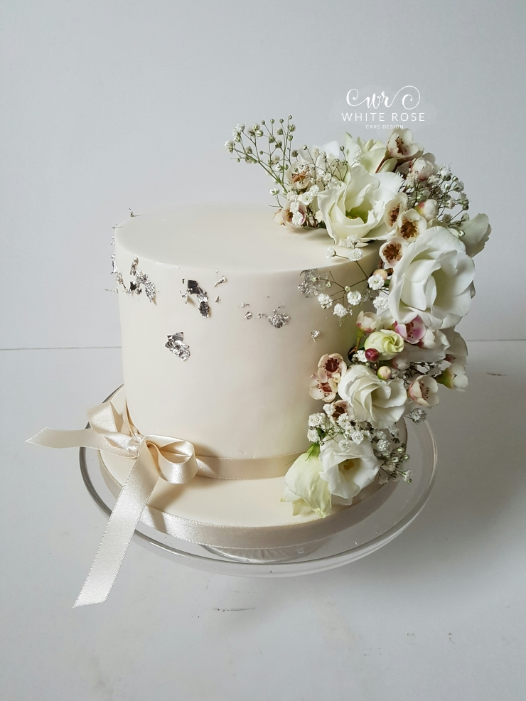 fresh flower cake decorations,single tier wedding cake,