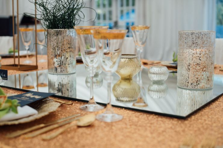 tablescape, gold details, candles, wedding breakfast,