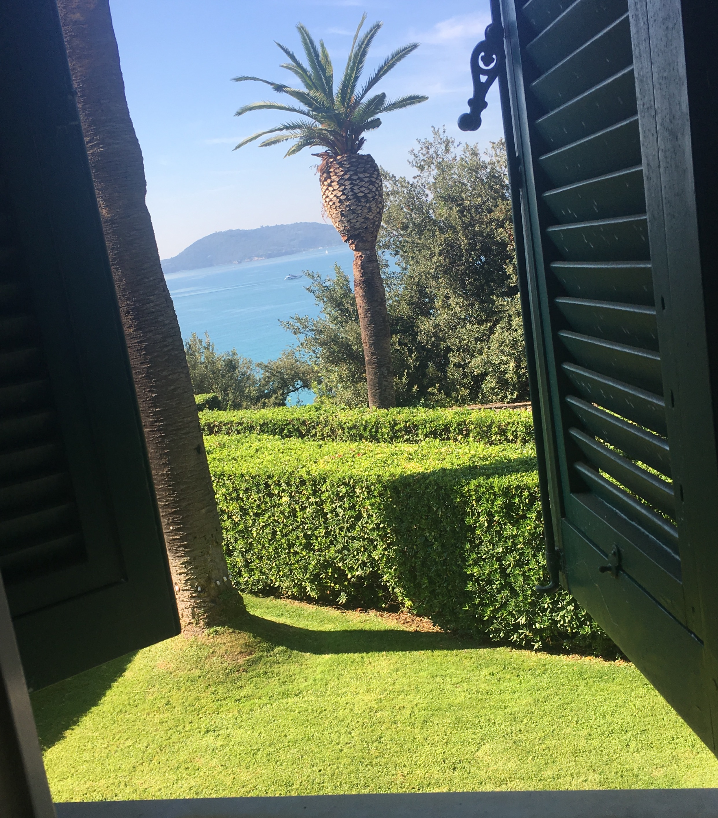 italian coast, wedding venue with a view, view of the sea, breathtaking views, wedding venue view, getting married in Italy,